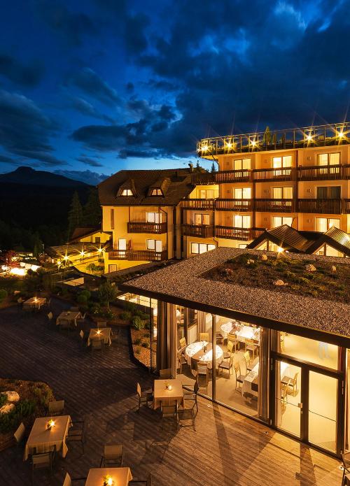 Hotel Cristal ****S nachtbild 360