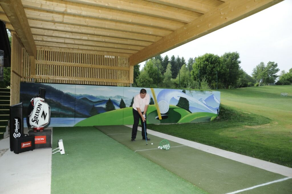 Golfclub Petersberg Driving Range with Pro Anthony Jackson Mittel