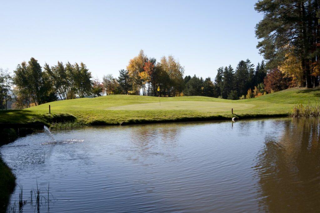 Golfclub Petersberg Green 17 Mittel